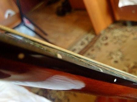 Что бывает со струнами, если их не чистить и не менять?